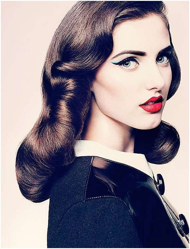 Slightly More Modern Look With The Blue But Still 50 Style Everything But The Blue Liner Retro Hairstyles Vintage Hairstyles Beauty