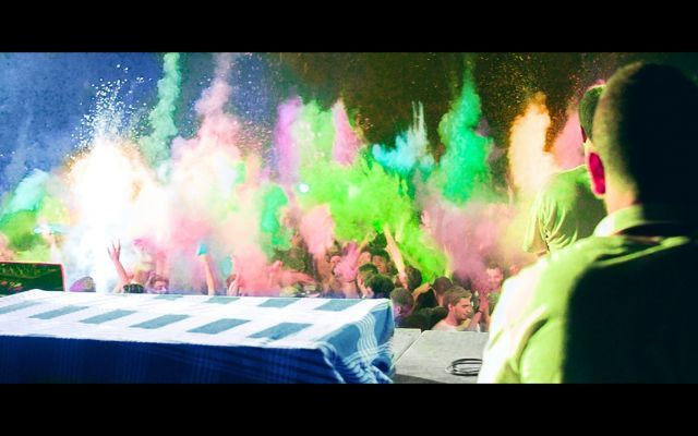 Holi Festival of Color 2015 - Unical Holi Festival 2015, una nuova creazione Creorin. Un grazie speciale va agli organizzatori terrestri della Be-Alternative Eventi e a tutti i partecipanti che hanno reso possibile questo evento e quest #video #holifestival #color #cosenza #cal