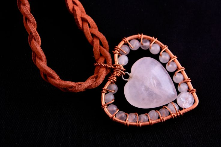 handmade necklace with rose quarz pendant on leather strap 10 EUR / 3000 HUF