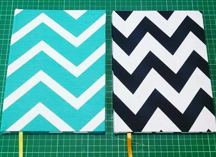 ZigZag por todos lados!  #cremadelcielocuadernos #encuadernacionartesanal #encuadernacion #cuaderno #notebook #zigzag #diseño #diseñoargentino #design #arte #art #sketchbook #sketchbookart #sketching #sketch #moda #deco #fashion  #igers #igersbsas #igersargentina #vscoargentina #vsco #sabado #saturday #buenosaires #argentina by cremadelcielocuadernos