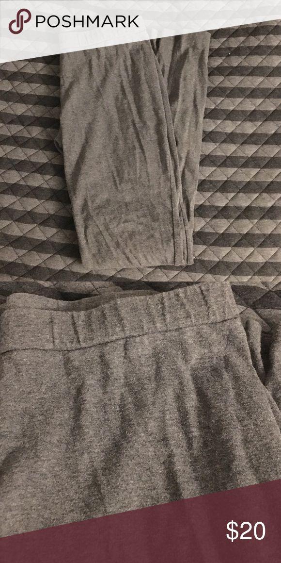 Grey Petite Leggings Petite small grey leggings. Worn a few times. Pants Leggings
