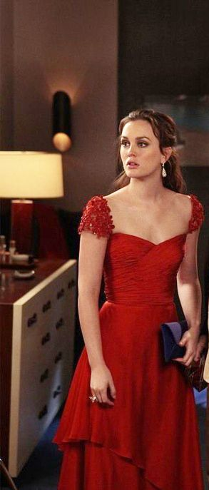 """Blair wears a Reem Acra Resort 2012 gown and VBH clutch in 5x15 """"Crazy Cupid Love"""""""
