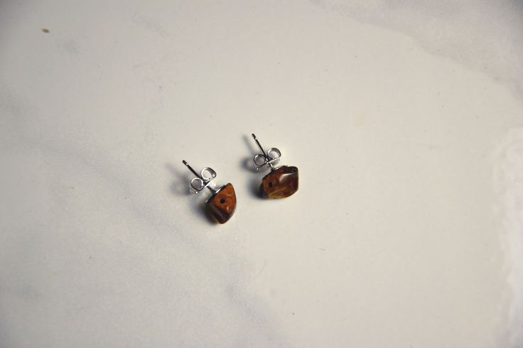 Tiger Eye Stud