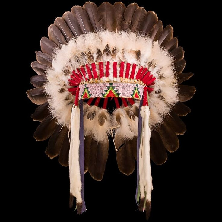 Crow style Eagle Feather War Bonnet 3001.16.01 (front view) ☩ «4Colors»™