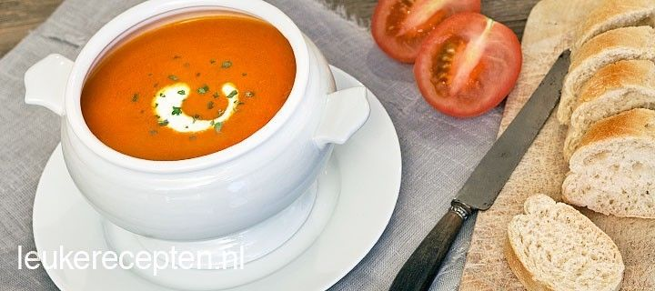Maak zelf lekkere verse tomatensoep in 20 minuten