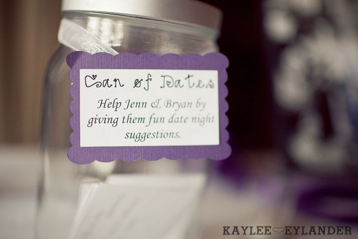 Lord Hill Farm wedding | Guest fill out date ideas for the bride and groom as they enter | kaylee eylander photography