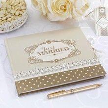 Gastenboek Chic Boutique - blanco aan de binnenkant, verschillende kleuren goud en bruin aan de buitenkant.