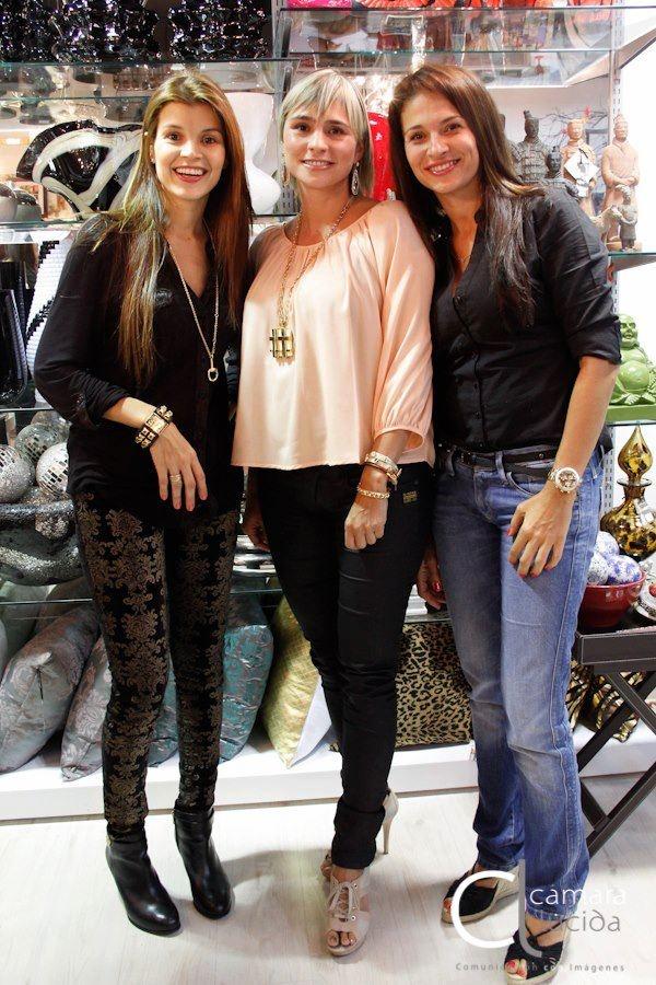 Tala Restrepo, Eliana Pelaez y Mónica Restrepo disfrutando del evento.