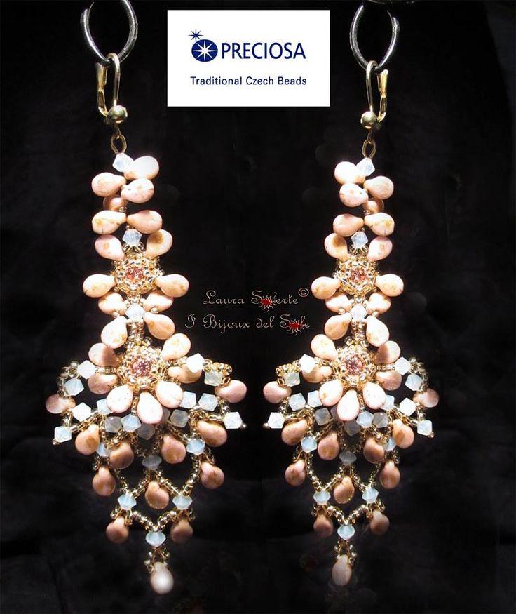 """Orecchini """"Be-Bride"""", nouvo progetto e realizzazione di Laura Solerte con PRECIOSA: Pip™, rocailles e cristalli per il Concorso Preciosa Ornela my Czech beads di Agosto Earrings """"Be Bride"""" the new design with PRECIOSA: Pip™ , seed beads and crystals made by Laura Solerte for Preciosa Ornela my Czech beads competition of August #preciosa #czechbead #earrings #orecchini #laurasolerte"""