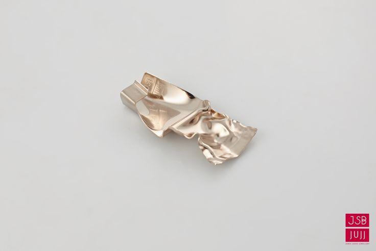 Crinkled Earpiece, jesuisbelle jujj jewellery