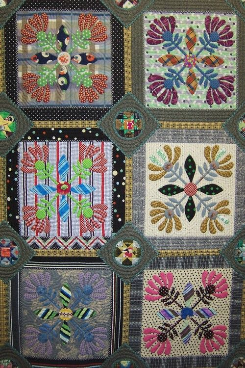Crossed flower applique quilt detail: Quilts Festival, Flower Applique, Crossed Flowers, Cushions Ideas, Flowers Appliques, Crosses Flowers, Quilts Ideas, Photo, Quilts Apply