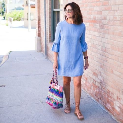 Loving the ruffle trend right now and how it elevates simple pieces to a whole new level! #everydaestyle #ruffles #fashioncanadians #fashionover40