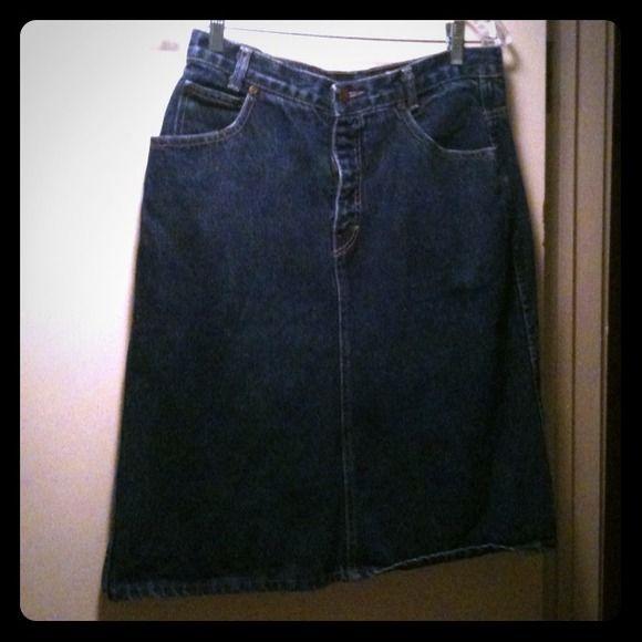 "True Vintage Calvin Klein high waisted jean skirt Sweet vintage high waisted jean skirt by Calvin Klein. Great condition, no flaws. Size 12. Waist is 15"" across and skirt is 24"" long. Calvin Klein Skirts"