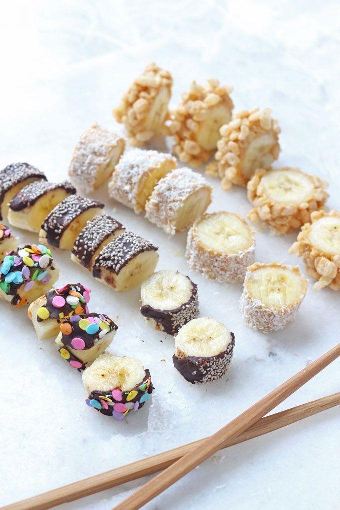 Bananen-Sushi ist eine unterhaltsame Art, Kinder dazu zu bringen, ihren eigenen gesunden Snack zuzubereiten