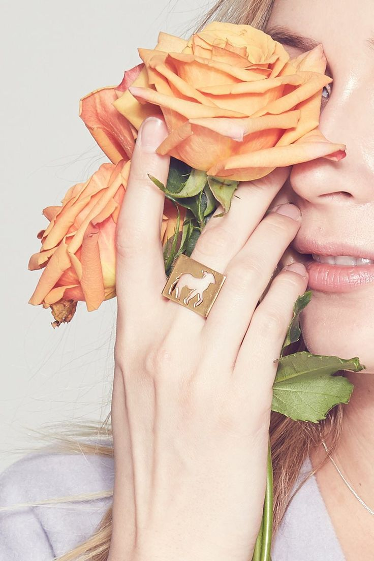 Lauren's ring size is 9 for her middle finger - The ultimate statement piece, rocking hard by the name of Babita. The cube ring is not for the faint of heart. It's for the seriously full of heart.