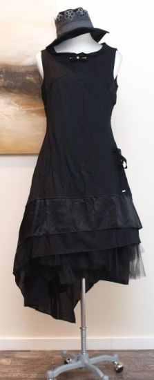 stilecht - mode für frauen mit format... - high - Kleid mit Schleppe schwarz - Winter 2013