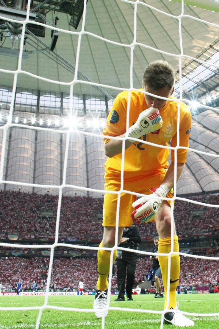 Przemysław Tytoń przed obroną rzutu karnego w meczu Polska - Grecja na UEFA EURO 2012
