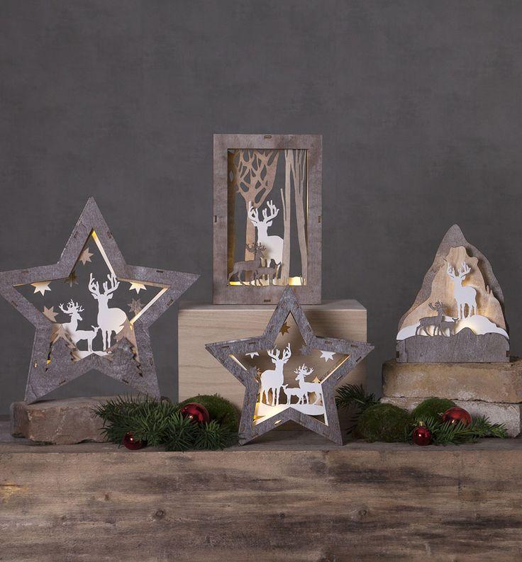 Fauna er en serie batteridrevne dekorasjoner laget av treverk i lyse brune farger. Denne serien har et varmt og koselig skinn og vil absolutt spre julestemning i huset! Bruk de i vinduskarmen eller som dekorasjon på et bord eller en hylle.