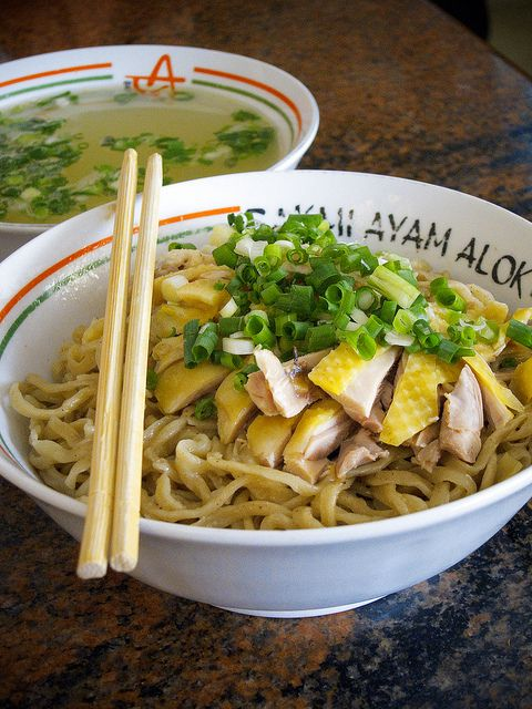 Bakmi Ayam Alok by kazeeee, via Flickr
