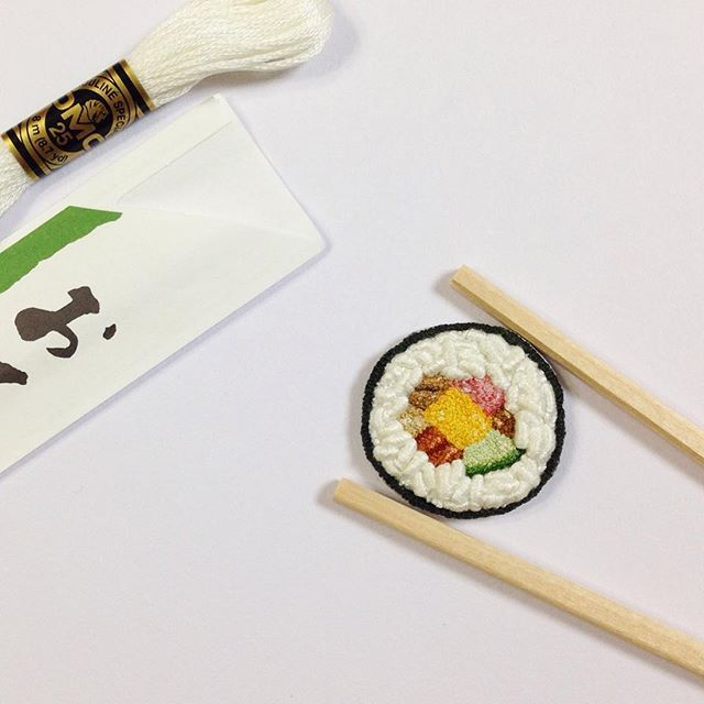 〔 116 / 5O1 〕 Sushi Roll  久々にお米縫い(バリオンステッチ) もうすぐ節分 #sushiroll #sushi #5O1embroidery #handembroidery #embroidery #dmc#frenchknots#恵方巻き#巻き寿司#寿司#刺繍#手刺繍#ハンドメイド#バリオンステッチ#フレンチノット