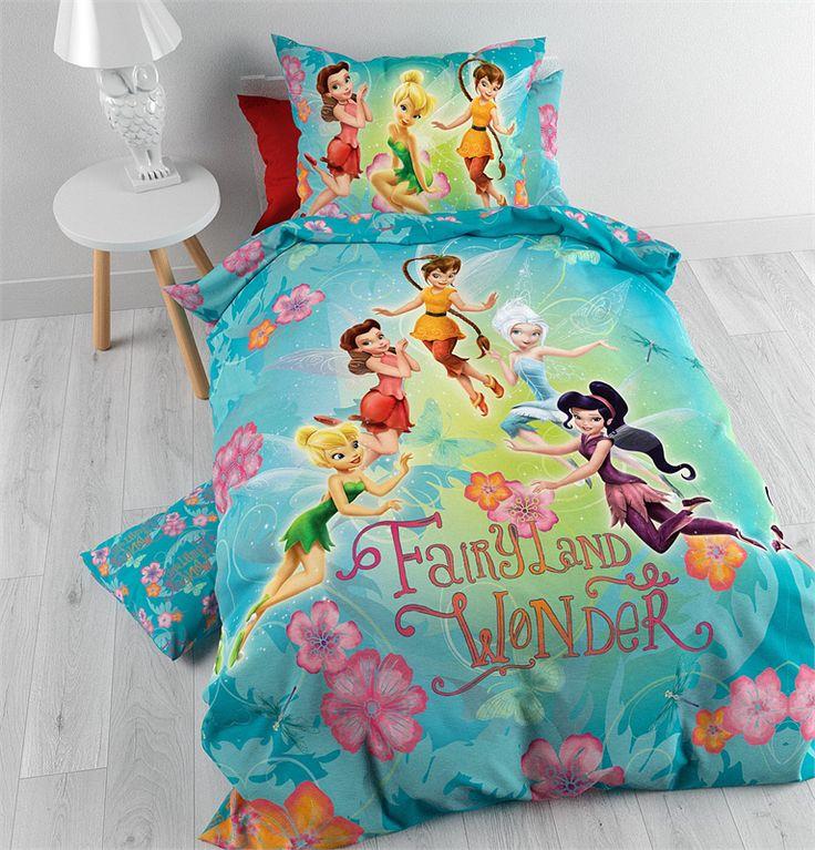 Je kind droomt dankzij dit Disney FairyLand dekbedovertrek heerlijk weg in de wonderbaarlijke en sprookjesachtige wereld van Tinkerbell en haar vriendinnetjes.