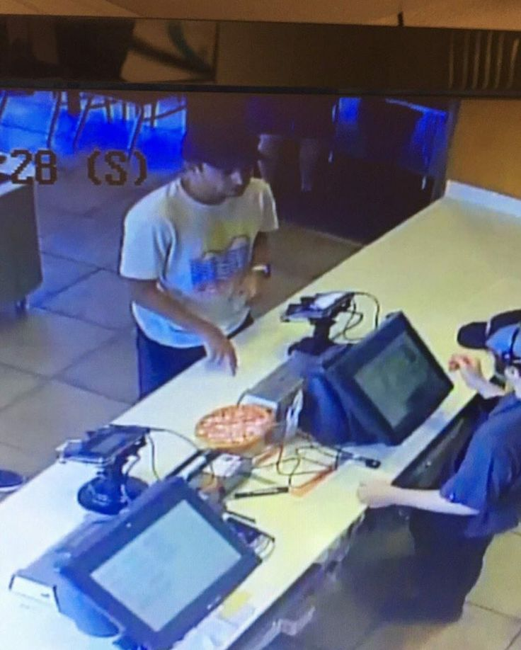 the clique highkey needs to chill. like hes ordering food. can he not be stalked?? its honestly creepy and the memes about this arent all that funny, theyre just making fun of him for ordering food