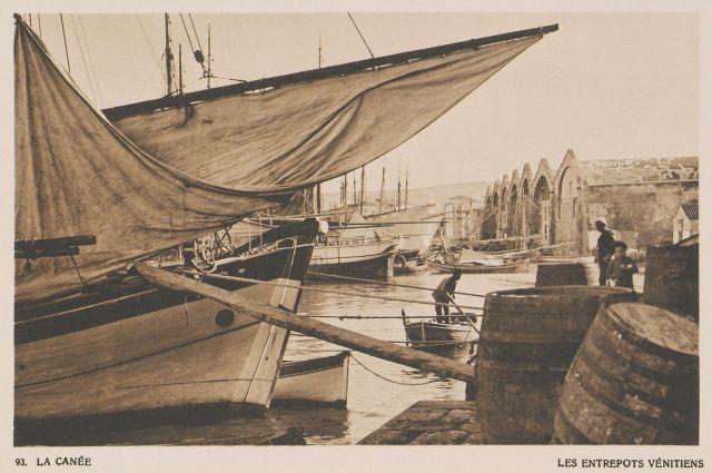 Τα Βενετικά νεώρια στα Χανιά.  La Canée. Les Entrepots Venitiens. 1919  BAUD-BOVY, Daniel, BOISSONNAS, Frédéric. Des Cyclades en Crète au gré du vent, Γενεύη, Boissonnas & Co, 1919.Βιβλιοθήκη Ιδρύματος Αικατερίνης Λασκαρίδη