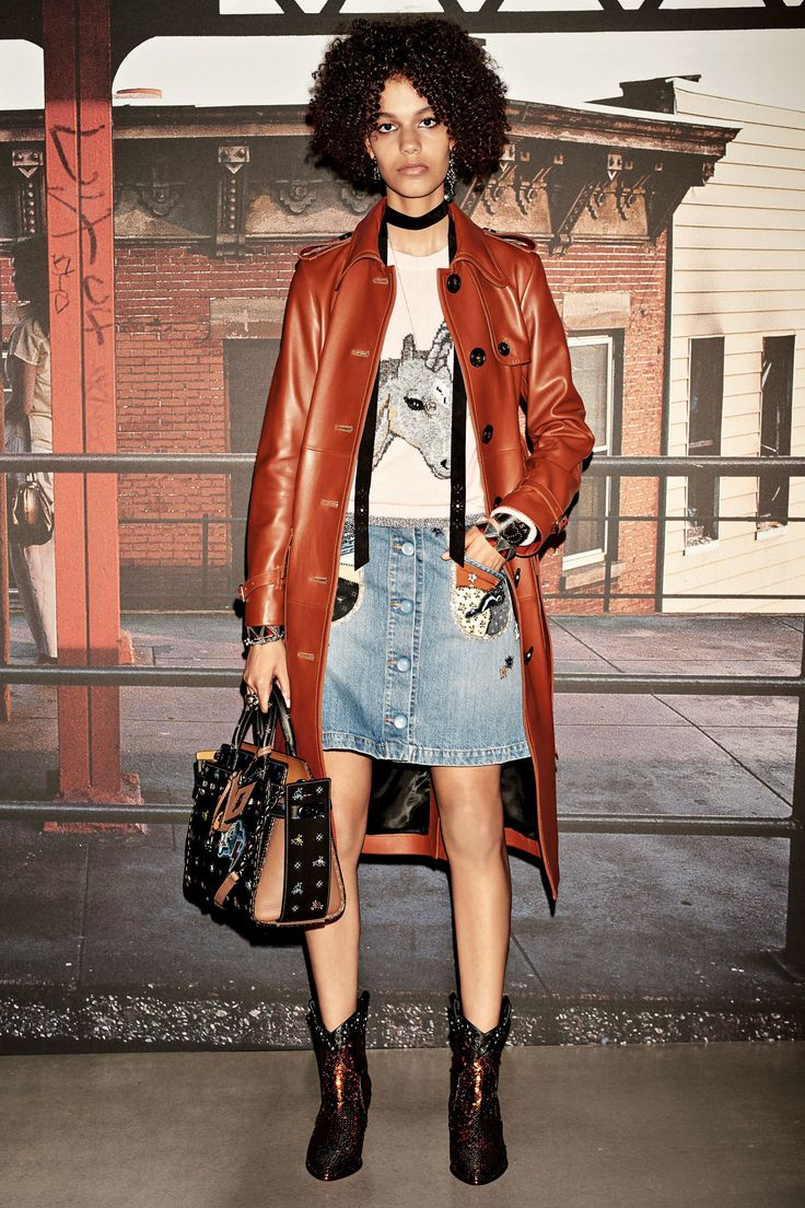 See the complete Coach 1941 Resort 2018 collection.