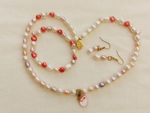 Peach and Cream Freshwater Pearl Jewellery Set Necklace