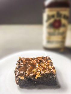 Whisky-Brownies mit Karamellsauce        Oktober 17, 2014 Whisky-Brownies mit Karamellsauce