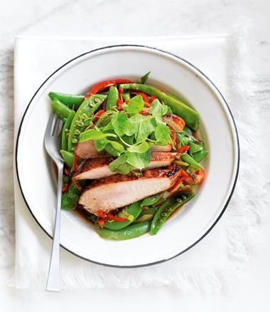 Stir-Fried Snowpeas with Chinese-Flavoured Chicken recipe | Food | In Season | MiNDFOOD
