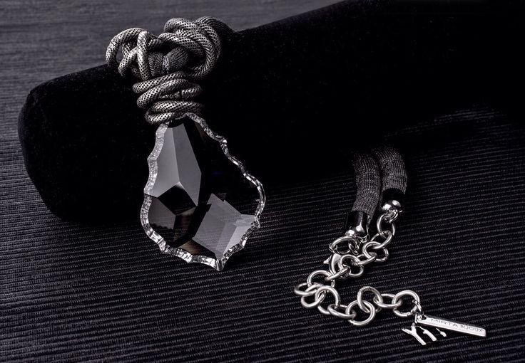 Collana Mirta Bijoux con pendente in cristallo .