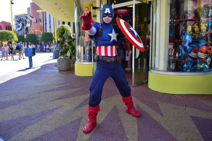 Universal Orlando Tips & Secrets: Meet Captain America - One of Six Reasons We LOVE Marvel Superhero Island at Islands of Adventure.  Learn how you can get a free TouringPlans subscription from http://www.buildabettermousetrip.com/free-touring-plans
