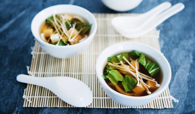 Sopa miso con tofu