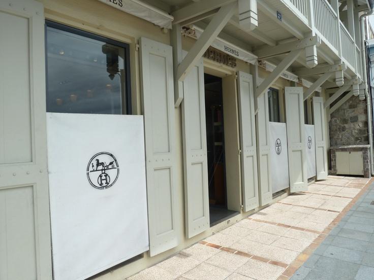 St Barths Shops #Hermes, have time it better next time. www.dresscodebygita.com
