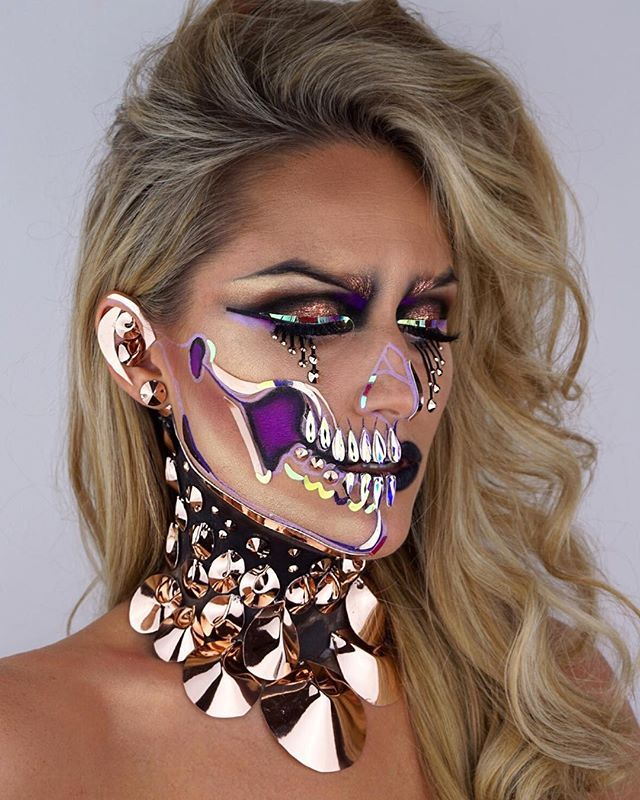 DISCO PUNK SKULL  Been obsessed with mirror ball mosaics for my Burning Man Costumes which I am making for next year. So naturally, it had to end up on my face! #skullmakeup #amazingmakeupart #chrisspy #kimberlymargarita_ #skullart #artoftheday #skulltress #urbandecay #maccosmetics #mirrorball