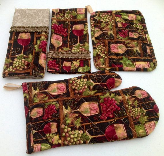 Grapes and wine kitchen towels and pot holders by www for Wine and grape themed kitchen ideas