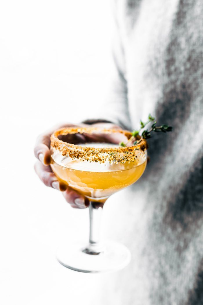 Honey Roasted Pear Sparkling Cocktails & Mocktails! Festive cocktails recipe with simple ingredients; sparkling wine or juice, honey, spices, roasted pear.