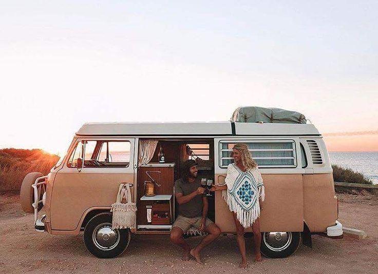 #UjalaBabe @elisecook in the #ARCTIC poncho 💥💥  . . #ujalabeach #australiandesigner