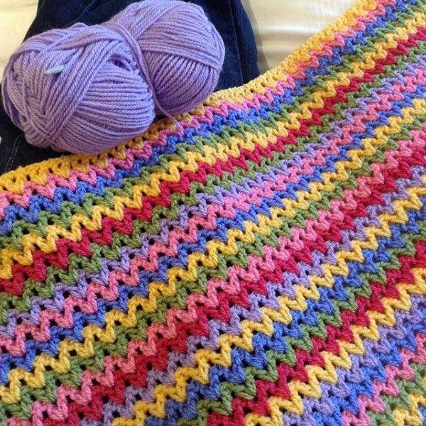 hooked__on__hooky crochet rainbow v-stitch colorful blanket