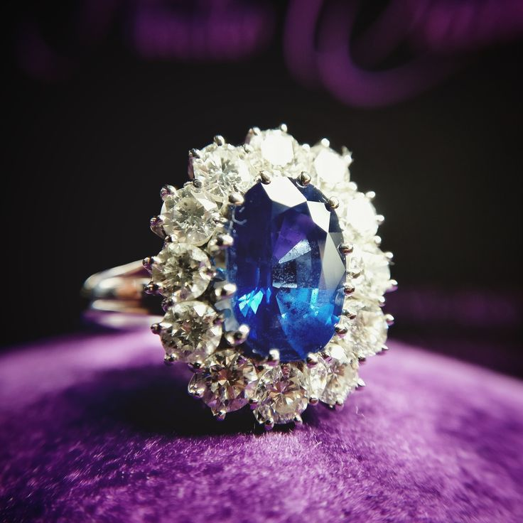 18k White Gold Engagement Ring, 6.34gr, with Central Oval Cut Sapphire 1.60ct and 12 Brilliant Cut Diamond Halo, 0,11ct. Price 19 800 RON  www.adam-eve.ro Adam & Eve Diamonds | Experts in engagement rings  #adamevediamonds #adpersonam #accessories #rings #jewels #jewelrydesign #gems #marriage #gemstone #jewelry #jewellery #gold #jewel #jewelrygram #showmeyourrings #jewelryaddict