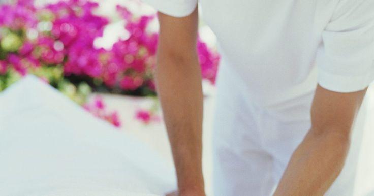 Remédios para bursite supra espinhal ou síndrome do impacto. O supra-espinhal é um dos quatro músculos, cada um com os tendões que os ligam aos ossos, que compõem o manguito rotador no ombro. A bursite supra-espinhal ocorre quando o excesso de líquido na bursa (que normalmente evita o atrito entre a cartilagem e os ossos) causa inchaço (tendinite) do tendão correspondente. Consequentemente, o tendão tem ...
