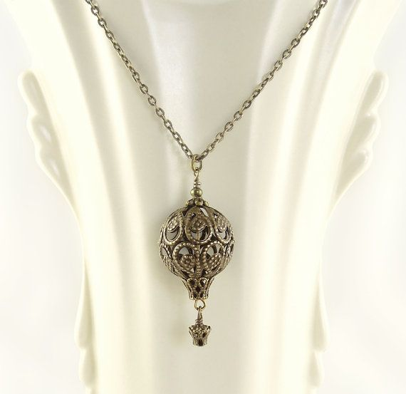 Antique Bronze Filigree Hot Air Balloon Necklace - Steampunk Hot Air Balloon Jewelry. Delicate steampunk / victorian necklace. Paris-style hot air