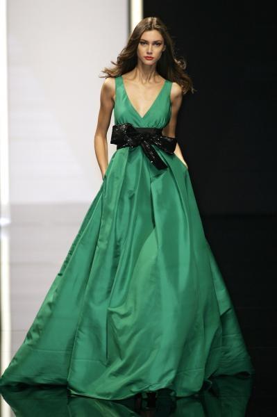 Elie Saab Spring 2008Eliesaab, Fashion, Emeralds Cities, Green Gowns, Emeralds Green, Colors, Elie Saab Spring, Spring 2008, Green Dresses