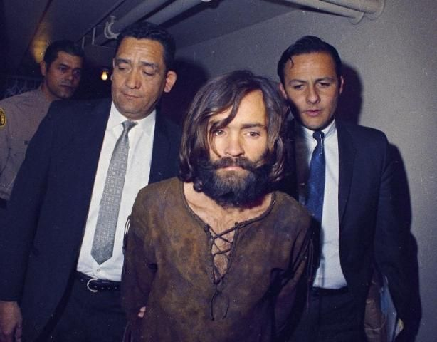 The death of Charles Manson is circulating around the internet. Can it be true? Is Charles Manson finally dead? Is this true or is this a internet hoax?