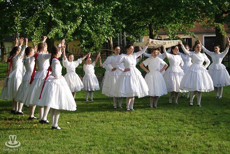 hungarian folk dance. #tradition Pünkösdölés