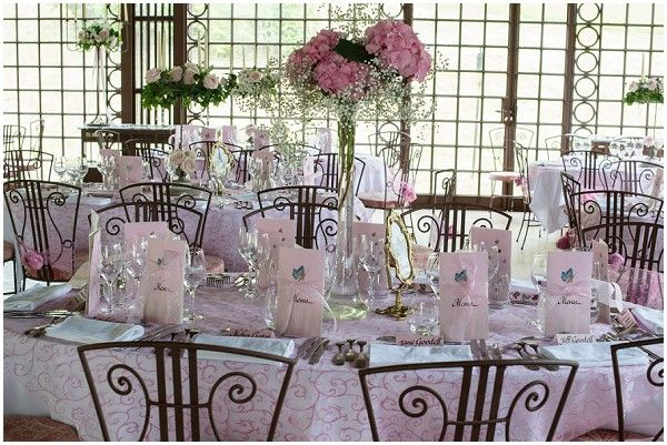 pink wedding reception | On French Wedding Style with Photography © Encre Noire  Eric Malemanche