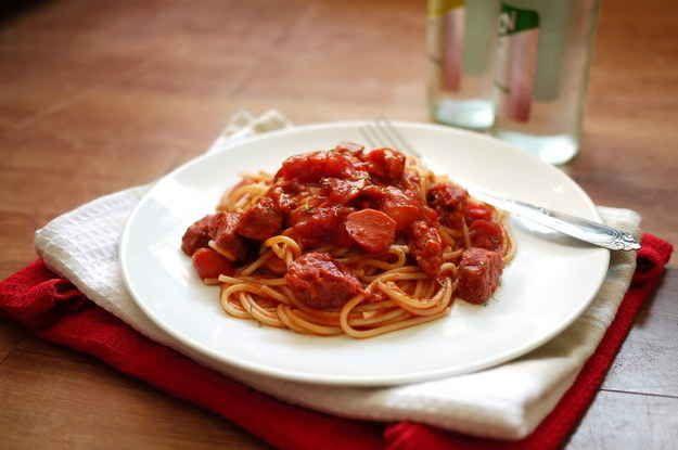 Filipino Spaghetti | 24 Delicious Filipino Foods You Need In Your Life