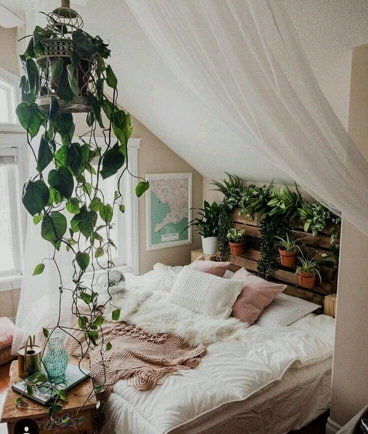 There Is Nothing Like Staying At Home For Real Comfort Thespacepoem Com In 2020 Bedroom Layouts Modern Bedroom Luxurious Bedrooms