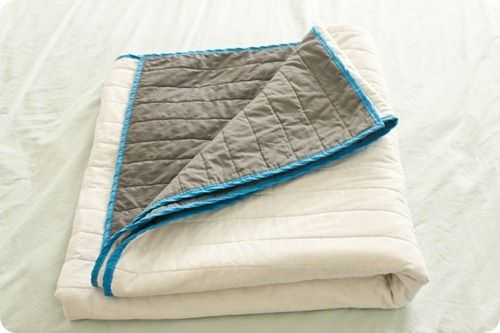 reversible quilt made with batting & 2 queen flat sheets, looks easy!